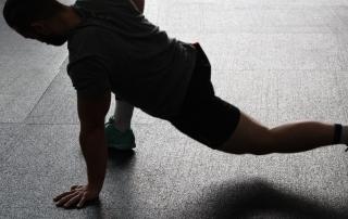 Všetko, čo by ste mali vedieť o natiahnutých alebo natrhnutých svaloch