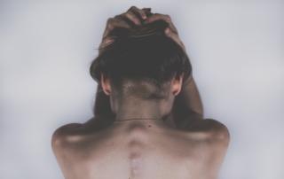 Dextrokonvexná skolióza: čo to je a ako mi pomôže fyzioterapeut?