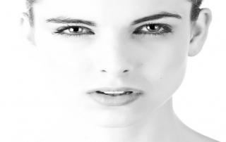 Čo by ste mali vedieť o bolesť hlavy a očí