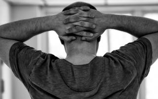 Bolesť hlavy na temene: čo ju spôsobuje a ako sa jej zbaviť