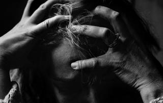 Ako sa zbaviť bolesti hlavy na čele