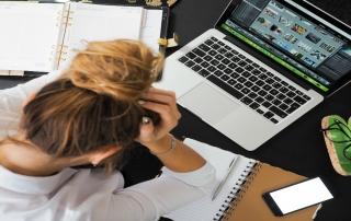 Migréna má aj tieto sprievodné príznaky