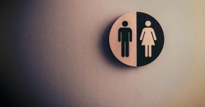 Inkontinencia stolice môže súvisieť s pôrodom aj s vážnou chorobou