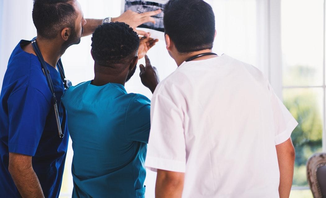 Kyretáž a rakovina - aj to môžu byť dôvody bolesti krížov