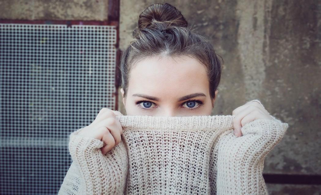 Bolesť vaječníkov môžu sprevádzať aj bolestivé kríže